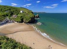 Blue flags to fly high over Ceredigion beaches this summer