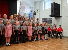 First Minister of Wales officially opens Ysgol Henry Richard